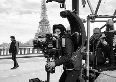 Fanny Coustenoble sur les ponts de Paris.